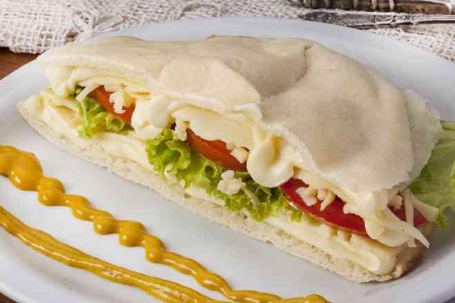 Beirute 4 queijos - Médio