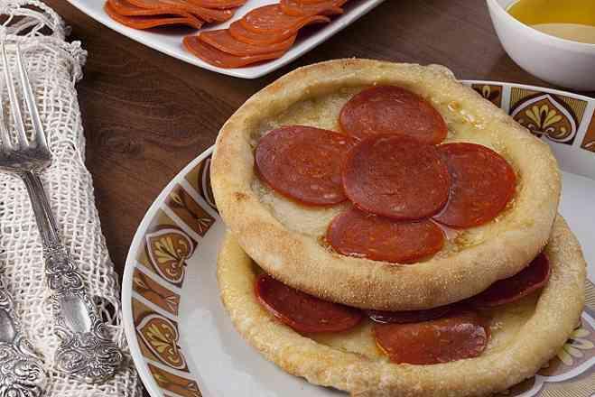 Esfiha pepperoni