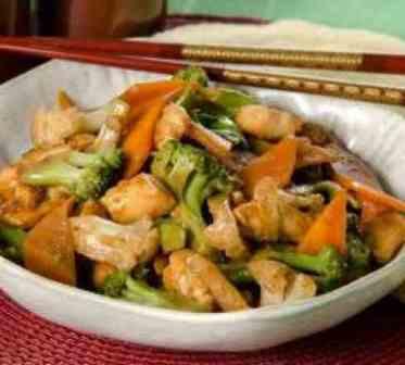 Frango com Legumes - Executivo (serve bem 1 pessoa, acompanha arroz)