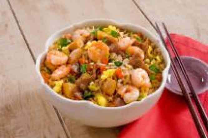 Arroz ao Shoyu com Carne, Frango e Camarão - Individual