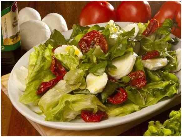 Salada Emília Marengo