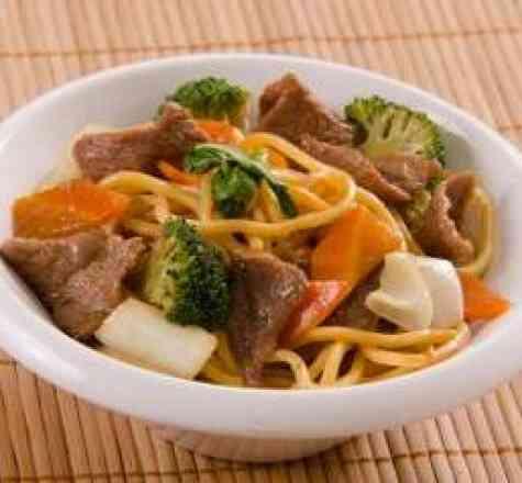 Yakissoba só Carne - Padrão (serve 2 pessoas)
