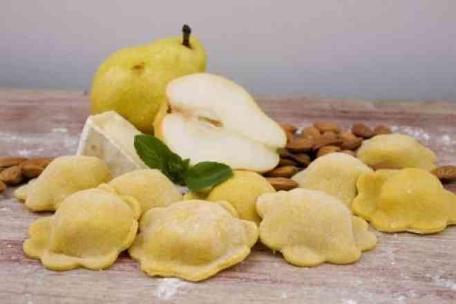 1kg Torteli Recheado de Queijo Brie com Pêra e Mussarela (Massa Congelada)