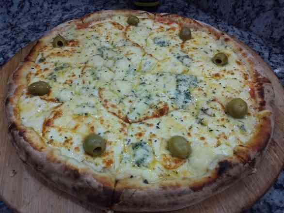 Pizza de 5 Queijos - Broto