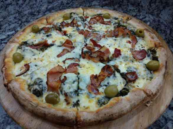 Pizza de Escarola - Broto
