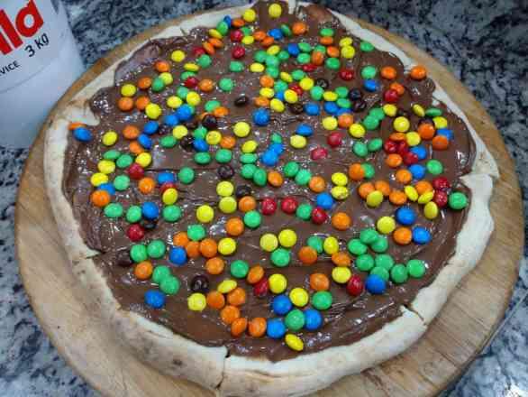 Pizza de M&M's - Broto