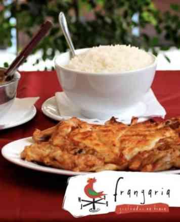 Combo Frango Desossado + Arroz + Feijão + Batata Frita - Meio