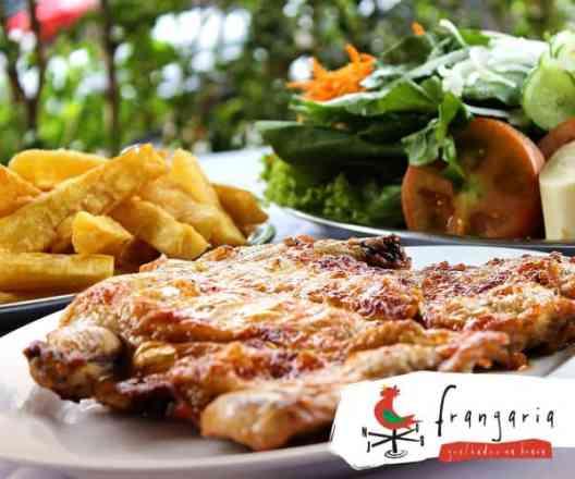 Combo Frango Desossado + Mandioca Frita + Salada Mista - Meio
