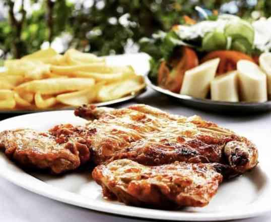 Combo Frango Desossado + Salada Mista + Batata Frita - Meio