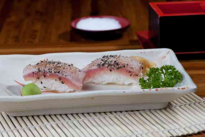 Par Sushi Maguro Style  - 2 Unidades